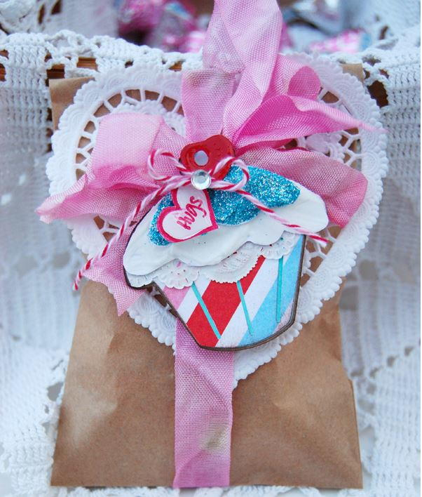 Sweetest Valentines Day Treat Bag Idea Allfreepapercraftscom