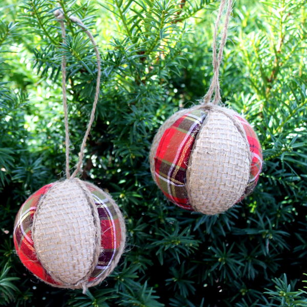 Easy Plaid and Burlap Ornaments