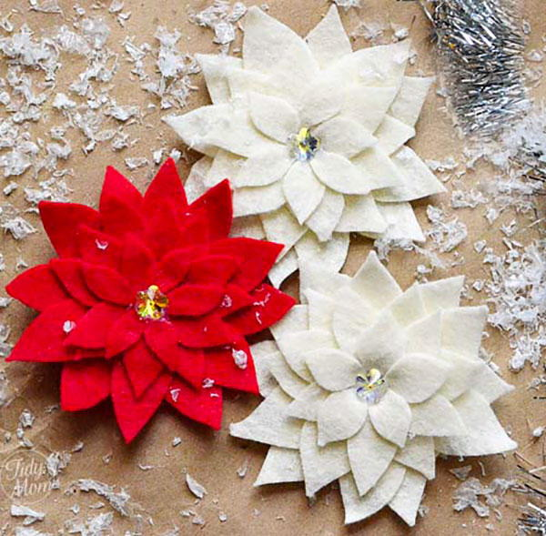 pretty poinsettia pin christmas craft - Free Christmas Decorations