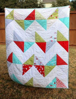 20+ Easy Chevron Quilt Patterns | FaveQuilts.com : how to make a chevron quilt - Adamdwight.com