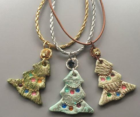 No bake resin clay christmas tree pendants allfreejewelrymaking no bake resin clay christmas tree pendants aloadofball Choice Image