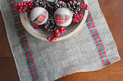christmas burlap and plaid table runner - Christmas Plaid Table Runner
