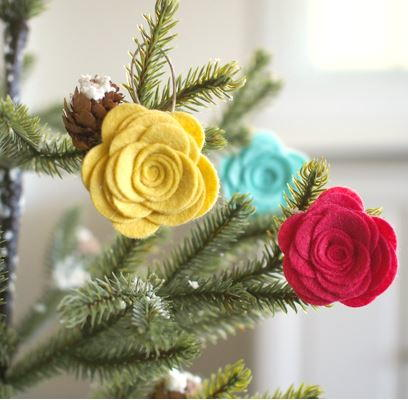 Charming DIY Felt Flower Ornaments