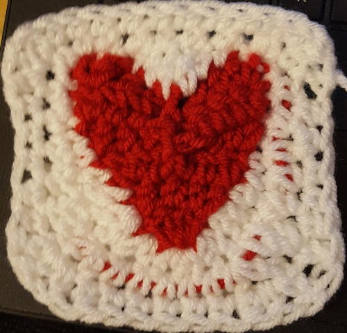 Circle Of Hearts Checkerboard Baby Afghan Allfreecrochet