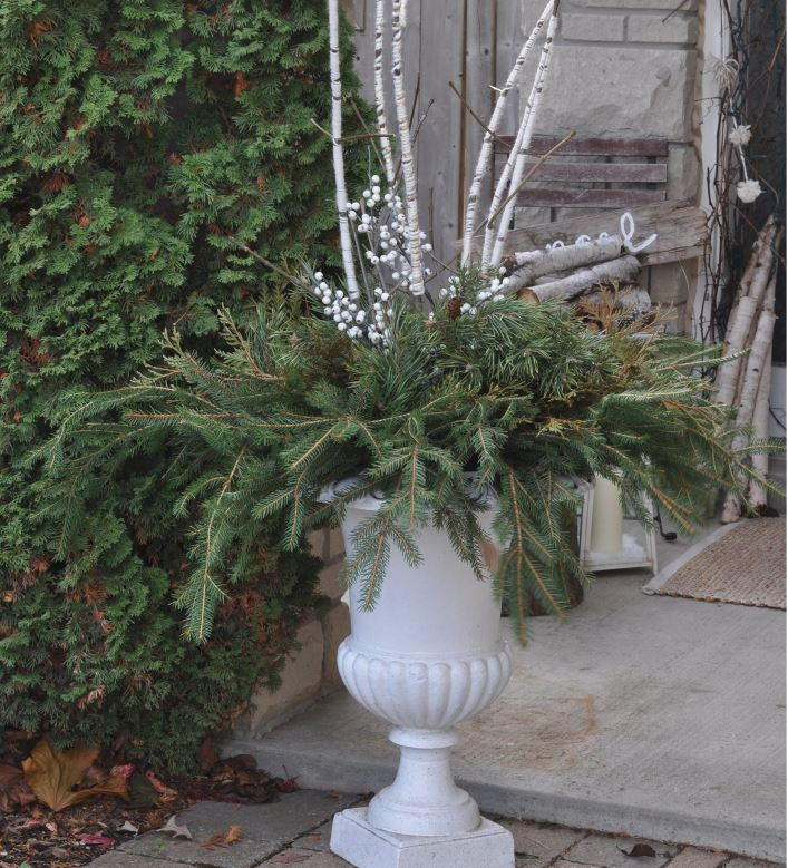 faux birch outdoor christmas arrangement allfreechristmascraftscom - Birch Christmas Decorations