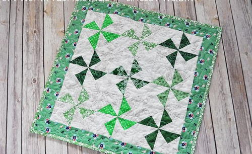Irish Pinwheels Table Topper Tutorial
