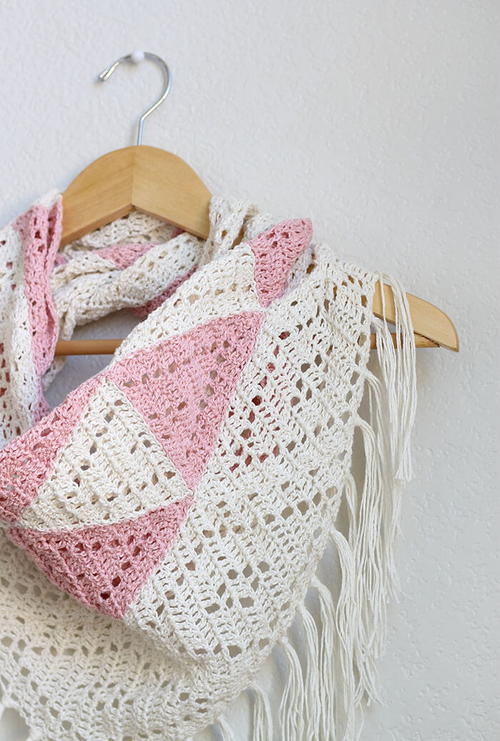 Pretty Pink Trillium Scarf | AllFreeCrochet.com