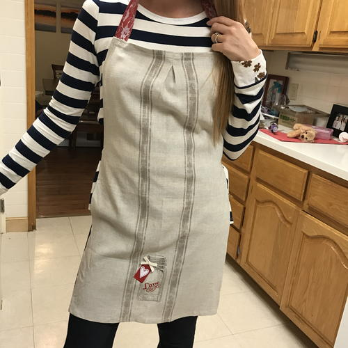 Adorable Valentine Aprons from Tea Towels