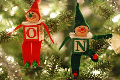 how to make an alphabet block elf christmas ornament - Elf Christmas Decorations