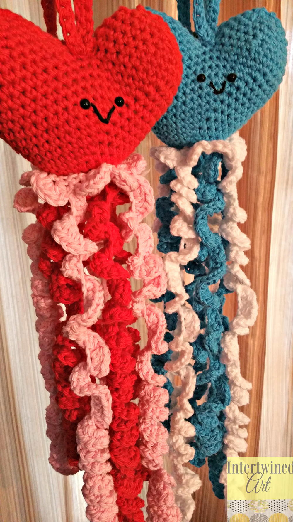 Crochet Heart Hand Towels | AllFreeCrochet.com