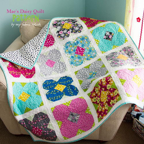 Mae's Daisy Lap Quilt Pattern | FaveQuilts.com : patterns for lap quilts - Adamdwight.com