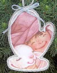 Easy Recycled Christmas Ornament