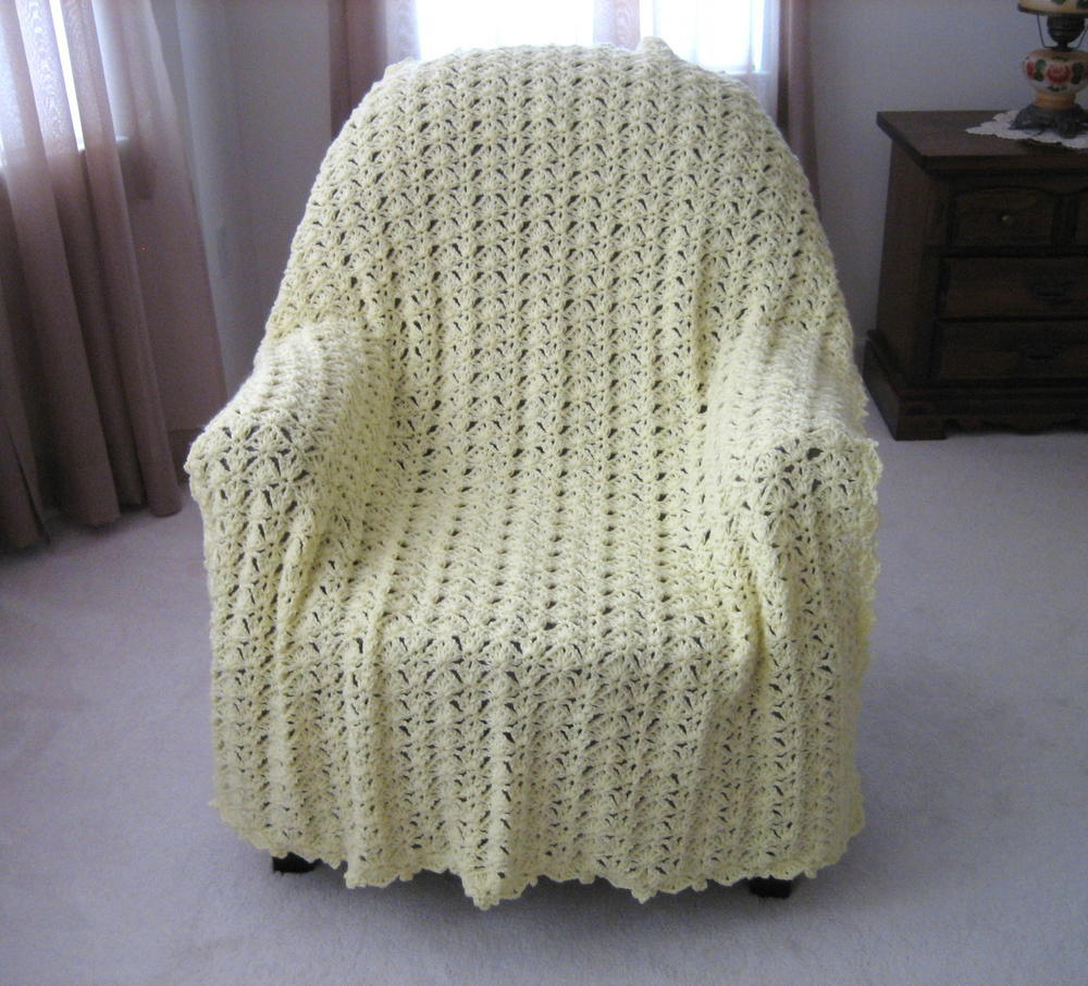 Afgan: Luxurious Lace Crochet Afghan