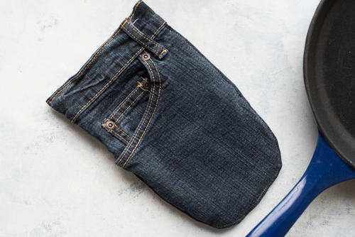 Sewn DIY Denim Oven Mitt
