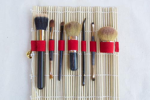 No-Sew DIY Makeup Brush Holder