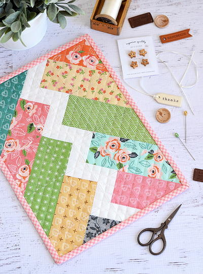 Little Bolt Mini Quilt Pattern