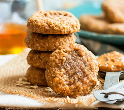 4 Ingredient Almond Butter Oatmeal Cookies