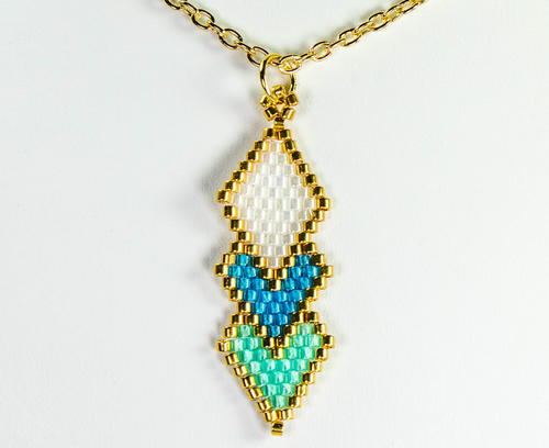 Brick stitch diamond shaped pendant allfreejewelrymaking brick stitch diamond shaped pendant aloadofball Image collections
