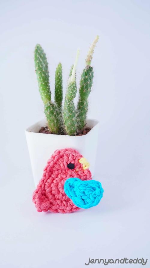 5 Minute Tiny Crochet Bird Applique Allfreecrochet