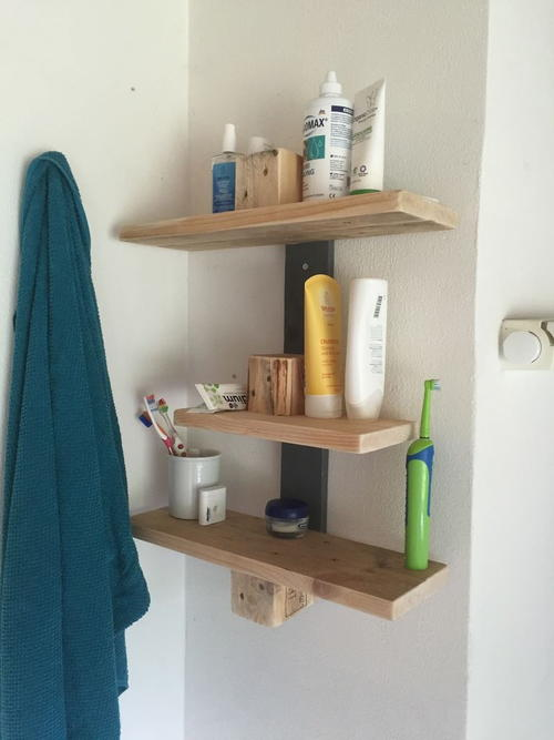 Precious Pallet Wood DIY Bathroom Shelves