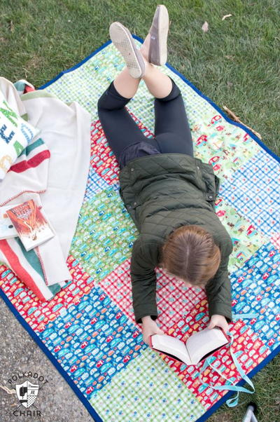 Patchwork Picnic Blanket Tutorial AllFreeSewing Gorgeous Picnic Blanket Pattern