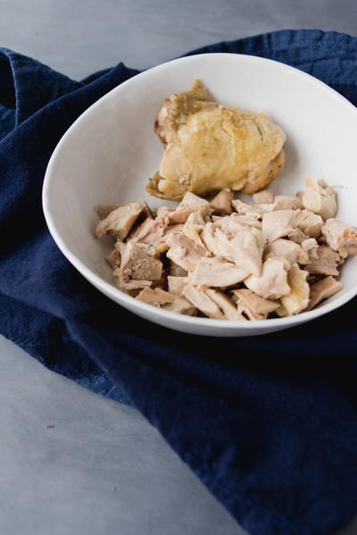 Poached chicken thighs cookstr poached chicken thighs forumfinder Gallery