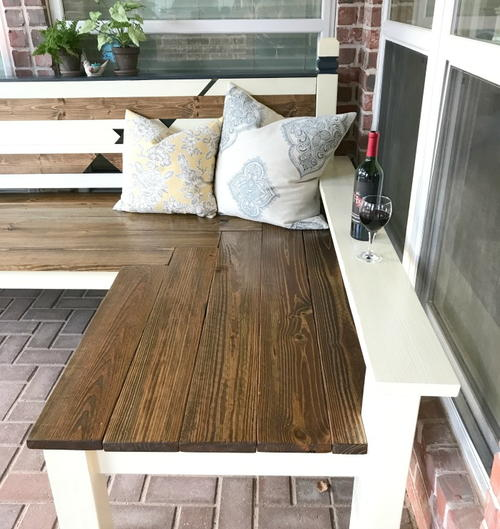 Amazing L Shaped DIY Outdoor Bench