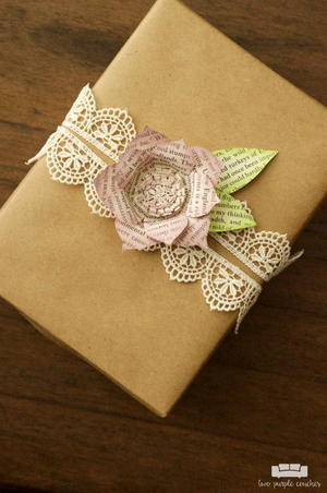Book Page Flower Gift Topper