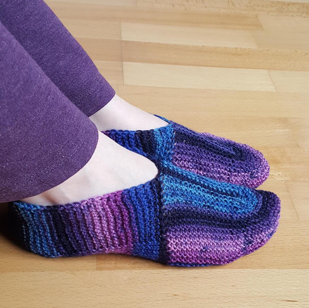U-Turn Knit Slippers | AllFreeKnitting.com