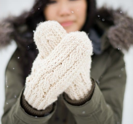 Classic Cold-Weather Crochet Cable Mittens