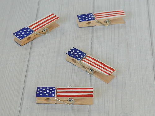 DIY Patriotic Clothespins