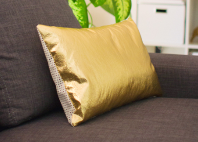 One Hour Glamorous DIY Pillow