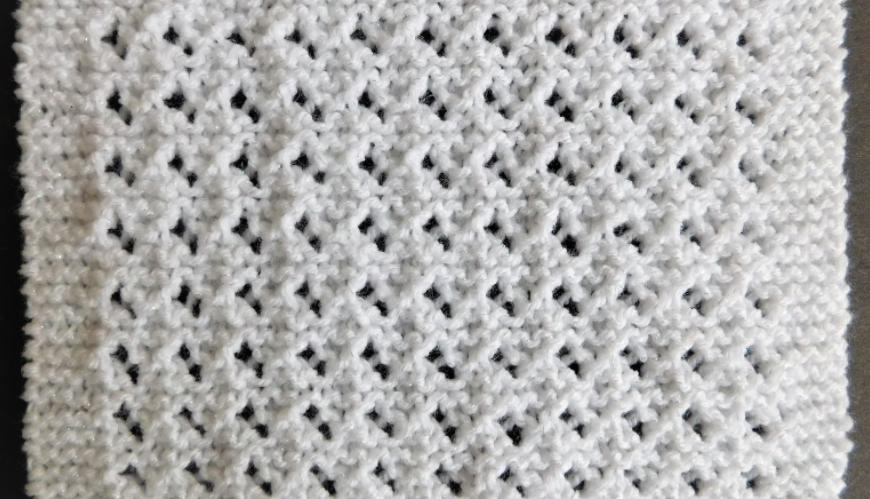 Lovely Lace Baby Blanket Pattern | AllFreeKnitting.com