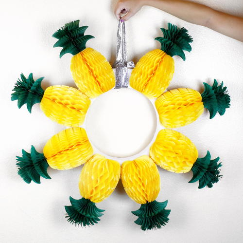 How to Make a Pineapple Wreath