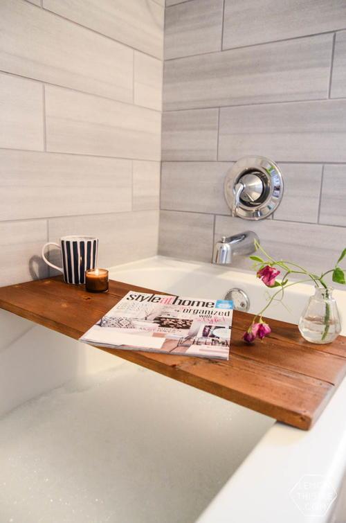 Luxurious Wooden Bath Tray | DIYIdeaCenter.com