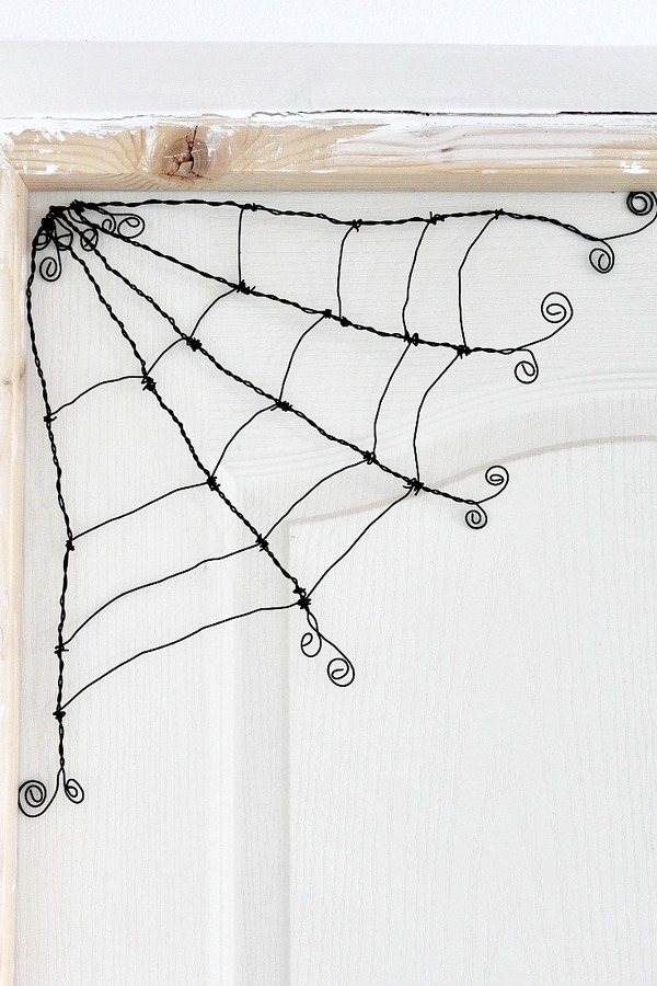 Wire Spider Web DIY Halloween Decor