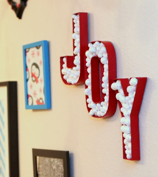 Holiday DIY Joy Sign