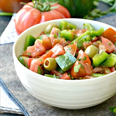Tomato Bell Pepper Green Olive Salad