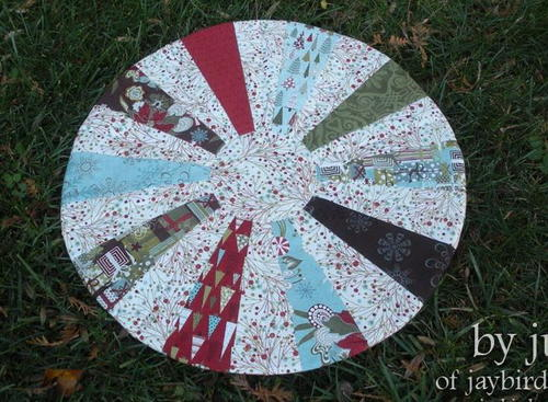 Sweet Sugar Swirls Table Topper