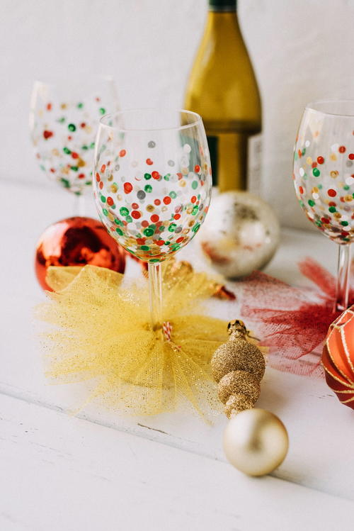 Festive Confetti DIY Wine Glasses