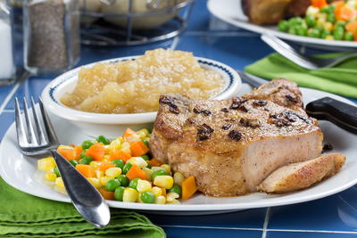 Pork Chops and Applesauce