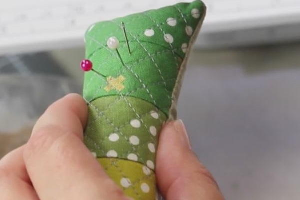 DIY Quilted Pincushion Tutorial