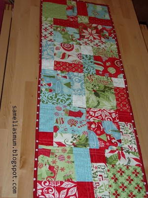 Quick And Easy Christmas Table Runner Favequilts Com