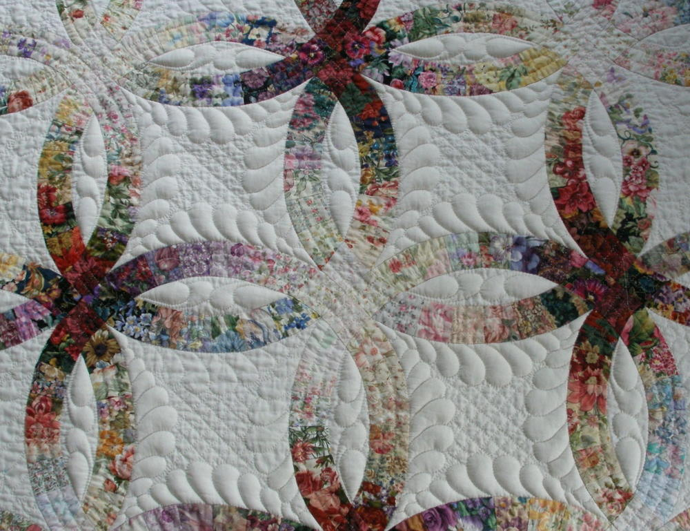 Trapunto Quilting by Hand | FaveQuilts.com : trapunto quilt - Adamdwight.com