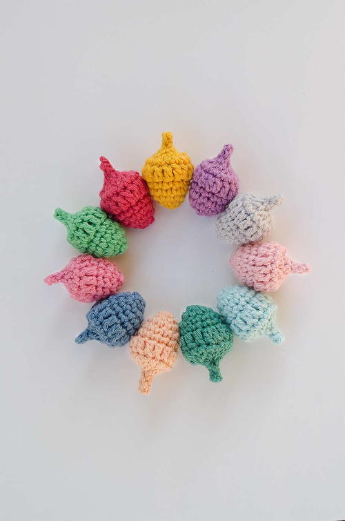 Cheerful Crochet Acorns