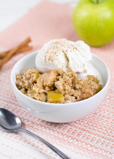 Slow Cooker Healthy Apple Crisp