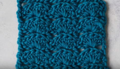 How to Crochet a Scallop Scarf
