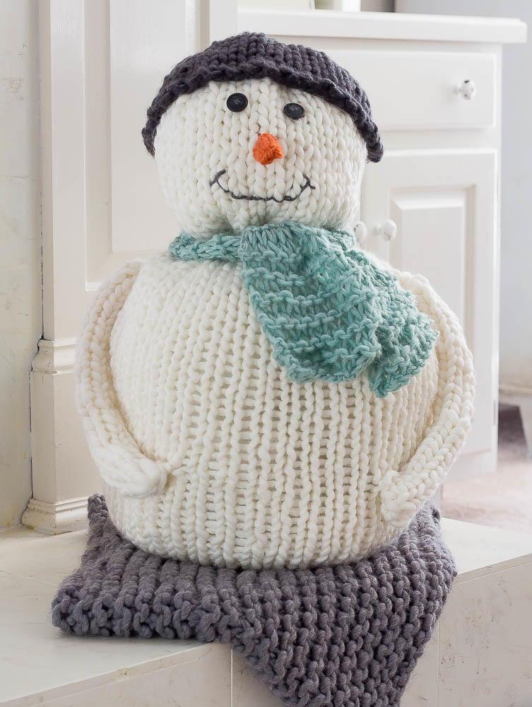 Chunky Knitted Snowman | AllFreeKnitting.com