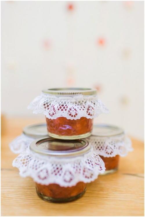 DIY Freezer Jam Wedding Favors | AllFreeDIYWeddings.com