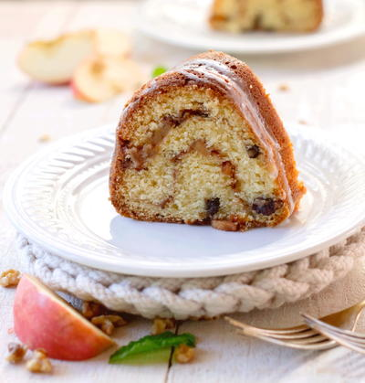 Old Fashioned Sour Cream cake with Apple-Nut filling